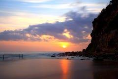 在Macmasters海滩NSW澳大利亚的日出 免版税库存图片