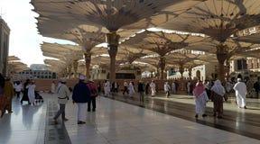 在madinah阿拉伯联合酋长国的中午 库存图片