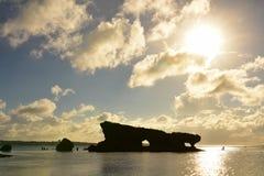 在Maeda舱内甲板的岩层在冲绳岛 库存图片