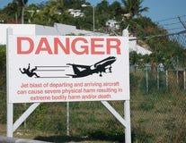在Maho海滩的喷气机危险 库存图片