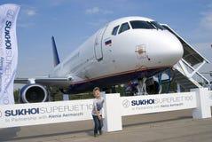 在MAKS国际航空航天沙龙的苏霍伊超音速喷气飞机100 库存图片