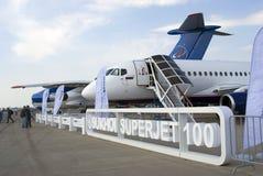 在MAKS国际航空航天沙龙的苏霍伊超音速喷气飞机100 库存照片