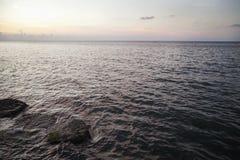 在Malecon,古巴的日落 库存照片