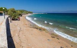 在Malesina,弗西奥蒂斯州,希腊附近的Lekouna海滩 免版税图库摄影