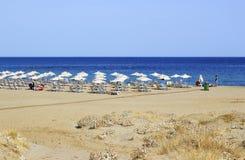 在Malia的海滩,克利特 免版税库存图片