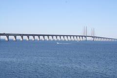 在Malmö和哥本哈根之间的桥梁 库存照片