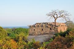 在Mamallapuram,印度海岸的古老废墟  免版税库存照片