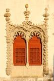 在Manueline样式的窗口。全国宫殿。辛特拉。葡萄牙 免版税库存图片