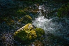 在Manzanita小河,拉森国家公园的急流 库存照片
