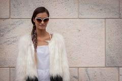 在Marco De温琴佐修造在米兰妇女的时尚星期的时装表演之外塑造2014年 免版税图库摄影