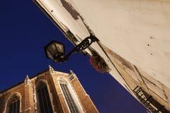 在Mariacki广场的灯在克拉科夫 免版税库存图片