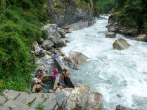 在Marsyangdi河附近的温泉城在Chame,尼泊尔 库存图片