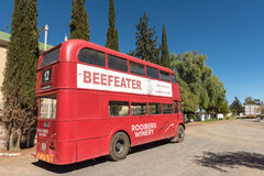 在Matjiesfontein的历史的双层汽车 免版税库存照片