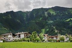 在Mayrhofen附近的阿尔卑斯 提洛尔 奥地利 免版税库存图片
