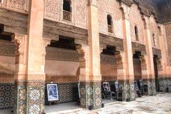 在medersa本优素福里面在马拉喀什,摩洛哥 免版税库存照片