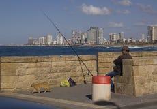 在Meditterranian海的人渔 免版税库存照片