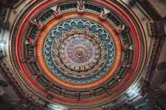 在Meenakshi印度寺庙里面在马杜赖,泰米尔纳德邦,南I 免版税库存图片