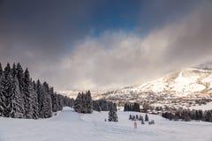 在Megeve附近的下坡滑雪倾斜 库存图片