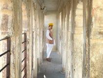 在Mehrangarh堡垒,乔德普尔城,印度的卫兵 库存图片