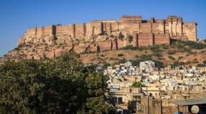 在Mehrangarh Mehran堡垒的午间光,乔德普尔城,拉贾斯坦,印度 库存图片