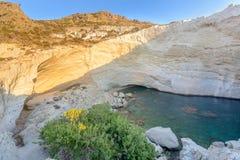 在Melos海岛,希腊的Sykia洞 免版税库存图片