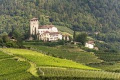 在Merano附近的城堡 免版税库存照片