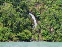 在Mergui群岛的瀑布 免版税库存图片