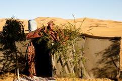 在Merzouga沙丘的巴巴里人帐篷-摩洛哥 免版税库存照片