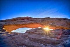 在Mesa曲拱的日出,冬天 免版税图库摄影