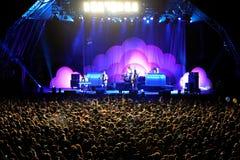 在Metronomy音乐会的观众在海涅肯Primavera声音2014年 库存图片