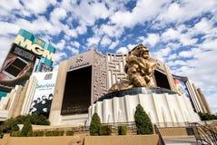 在MGM Grand旅馆和赌博娱乐场-拉斯维加斯,内华达,美国的金黄狮子 库存照片