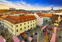 在Michaels塔Michalska Brana附近的Michalska街道是著名旅游目的地在布拉索夫,斯洛伐克 库存照片