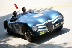 1953年在Mille Miglia的捷豹汽车C类型 图库摄影