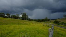 在Millfield和塞斯诺克在洪特尔谷,NSW,澳大利亚附近的看法 免版税库存图片