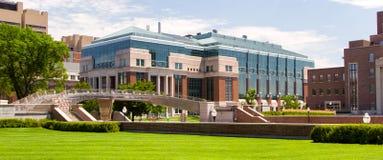 在Minnes大学的校园里的历史的Hasselmo霍尔  图库摄影