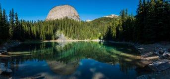 在Mirror湖全景的大蜂箱 免版税库存照片
