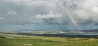 在Moher峭壁的彩虹  库存图片