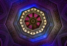 在Monserrate宫殿,辛特拉,葡萄牙覆以圆顶内部 库存照片