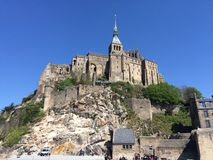 在Mont圣米歇尔修道院,法国的看法 免版税库存照片