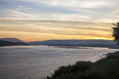 在montain的日出在湄公河 库存图片