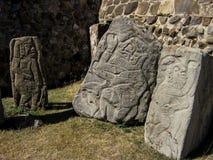 在Monte奥尔本,墨西哥向雕刻扔石头 库存图片