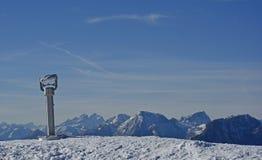 在Monte Lussari的观察双筒望远镜 免版税图库摄影