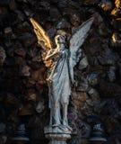 在Montjuic公墓的天使雕象 免版税库存图片