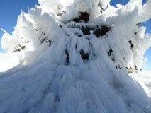 在monutain峰顶的冰晶 免版税图库摄影