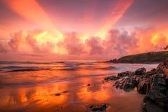 在Moonee海滩的难以置信的日出 免版税库存照片