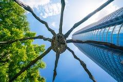 在Mori塔大厦的蜘蛛雕象在六本木新城 库存图片