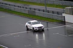 在moscowraceway赛车跑道的安全矿车 免版税库存图片
