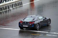 在moscowraceway赛车跑道的BMW i8 库存图片