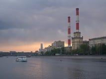 在Moskva河的黄昏 免版税库存图片