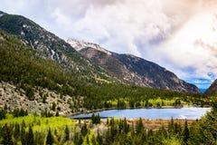 在Mountain湖的日出在科罗拉多 库存照片